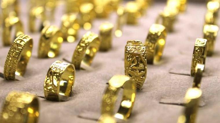 「ゴールドジュエリー 画像」の画像検索結果